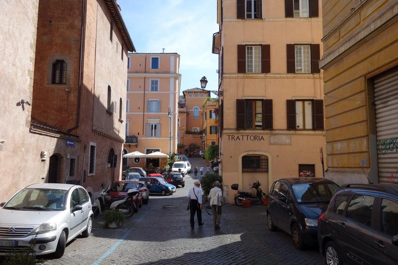 Gatuscen i stadsdelen Trastevere, Rom.