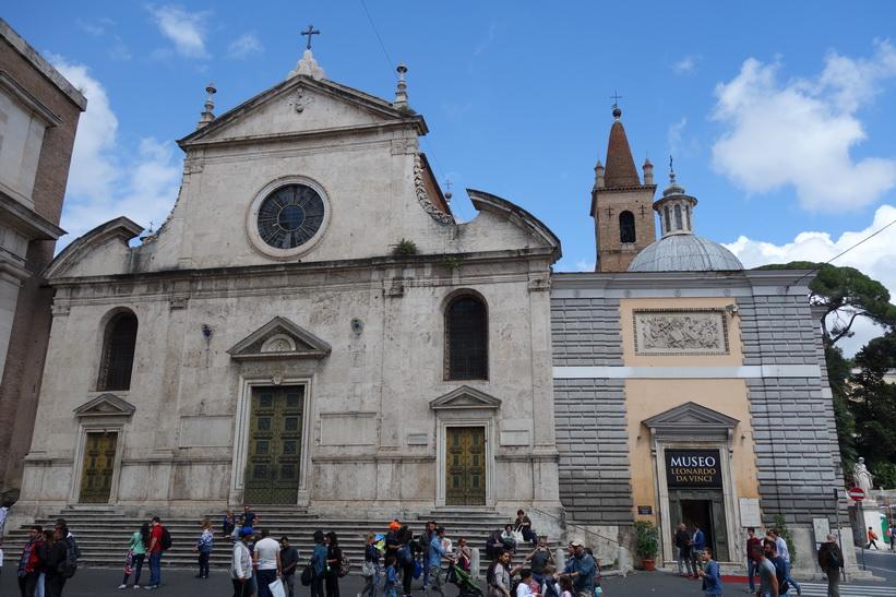Santa Maria del Popolo och Museo Leonardo da Vinci, Piazza del Popolo, Rom.