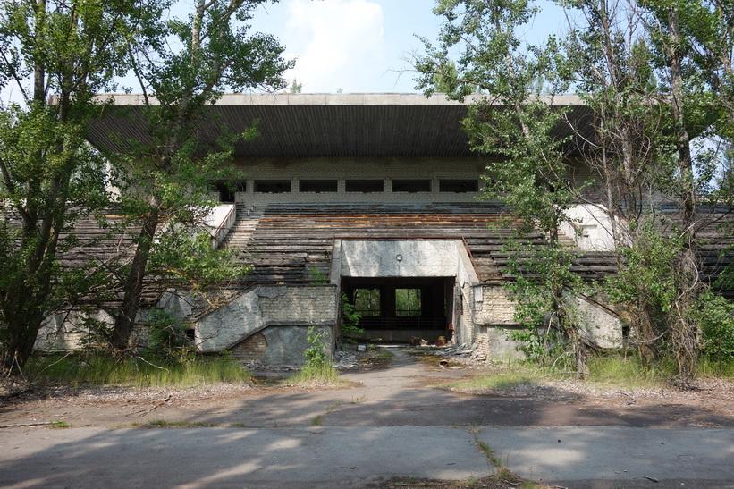 Läktaren till stadens fotbollsarena, Pripyat.