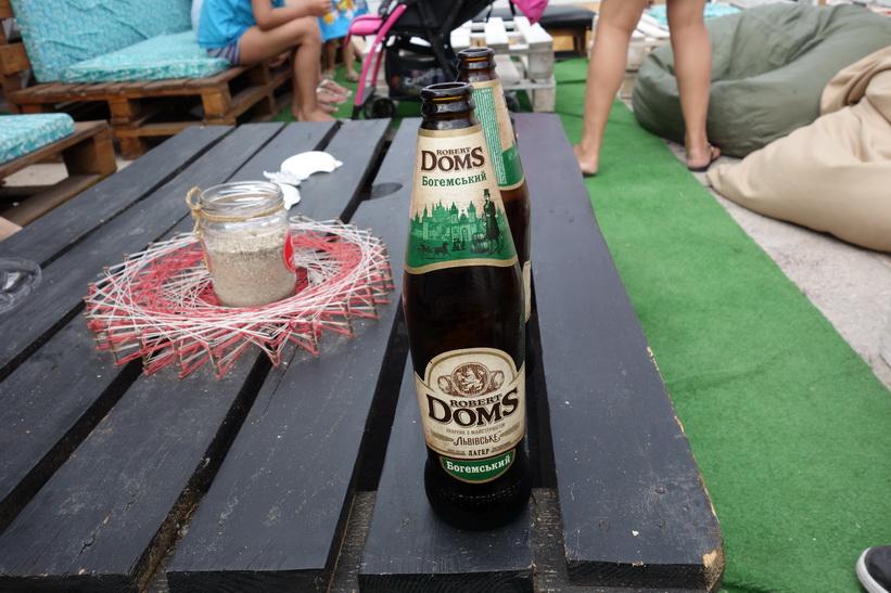 Öl på Otrada beach, Odessa.