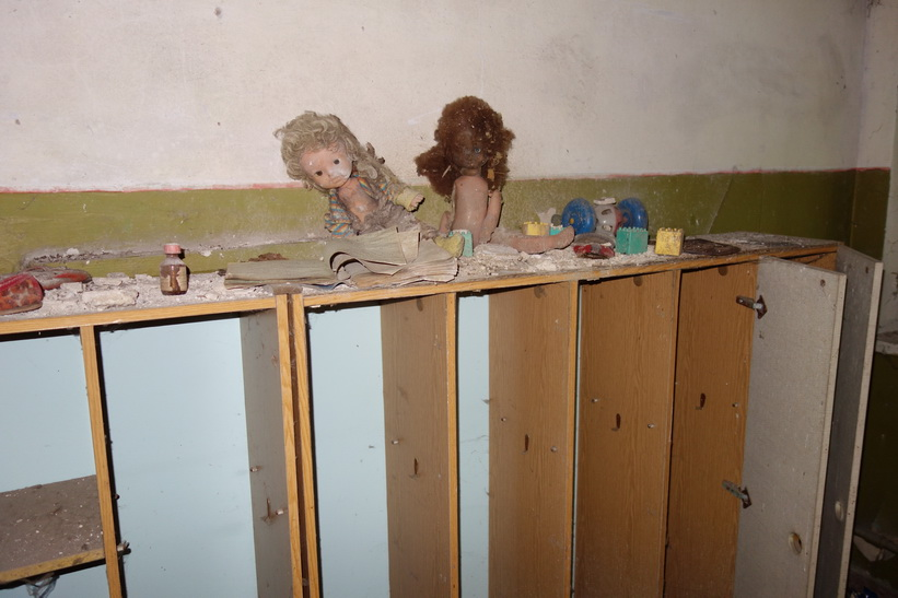 Dagiset i den övergivna byn Kopachi mellan staden Tjernobyl och kärnkraftverket.