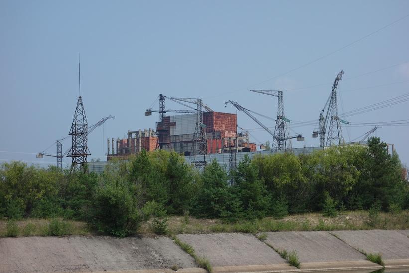 Reaktor 5 och 6 som aldrig hann bli klara och därmed aldrig tagna i drift. De var 70 % färdigbyggda vid tidpunkten för olyckan i reaktor 4. Starten av dessa nya reaktorer skulle ske den 7 november 1986. Reaktorerna ligger någon kilometer från reaktorerna 1-4. Byggkranarna är från 1986!