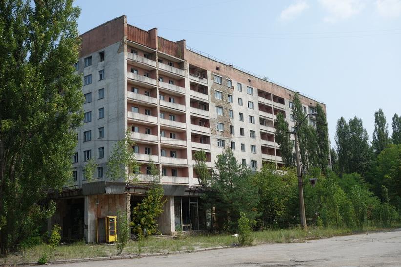 Bostadshus vid centrala torget i Pripyat. I detta hus bodde de högsta tjänstemännen som jobbade på kärnkraftverket.