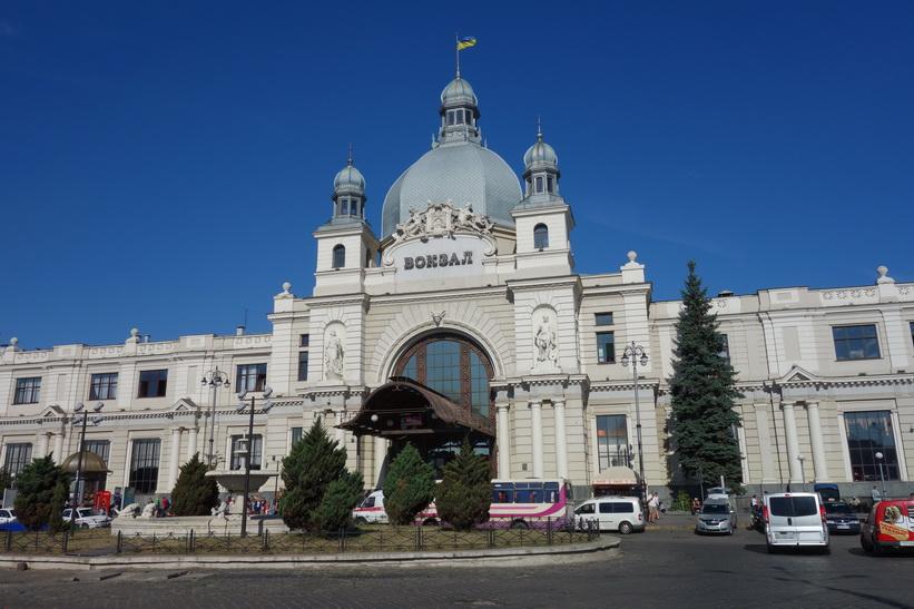 Tågstationen i Lviv.