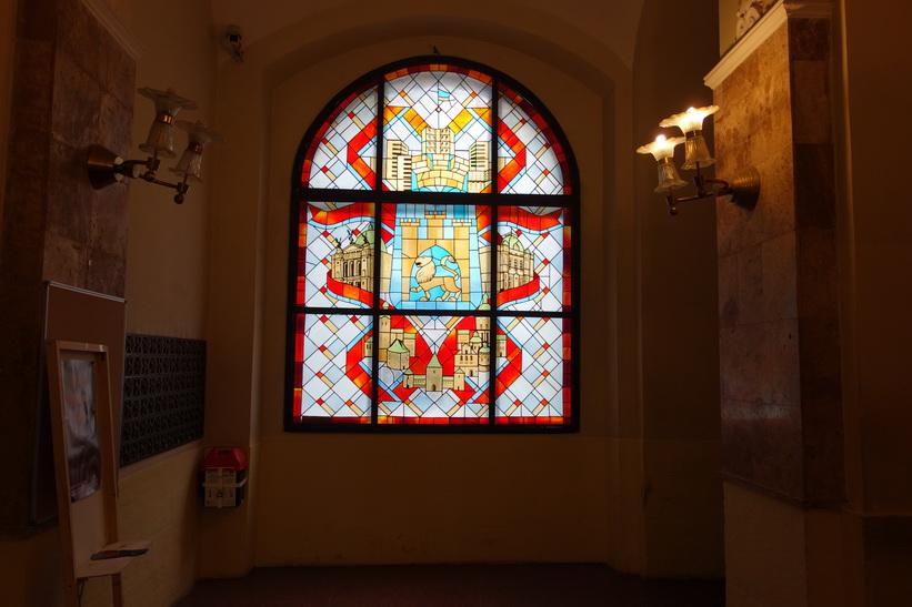 Inne i stadshuset i Lviv.