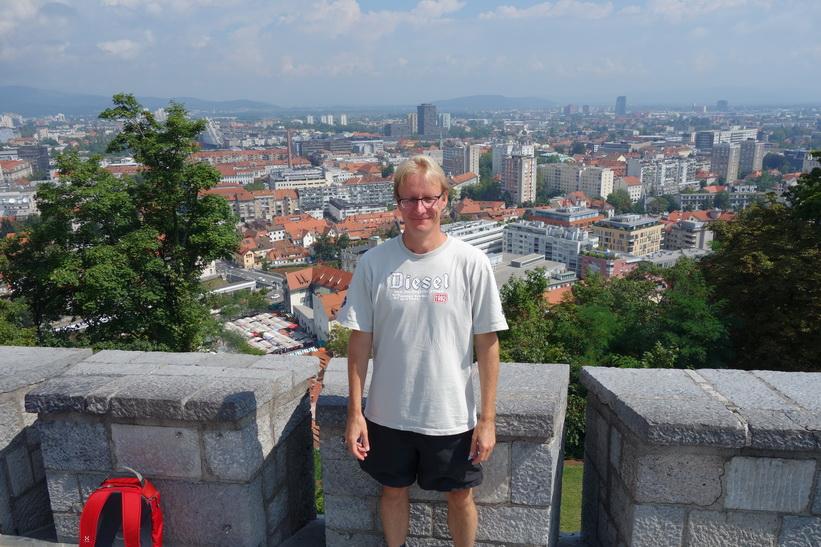 Stefan uppe på slottsmuren, Ljubljana Castle, Ljubljana.