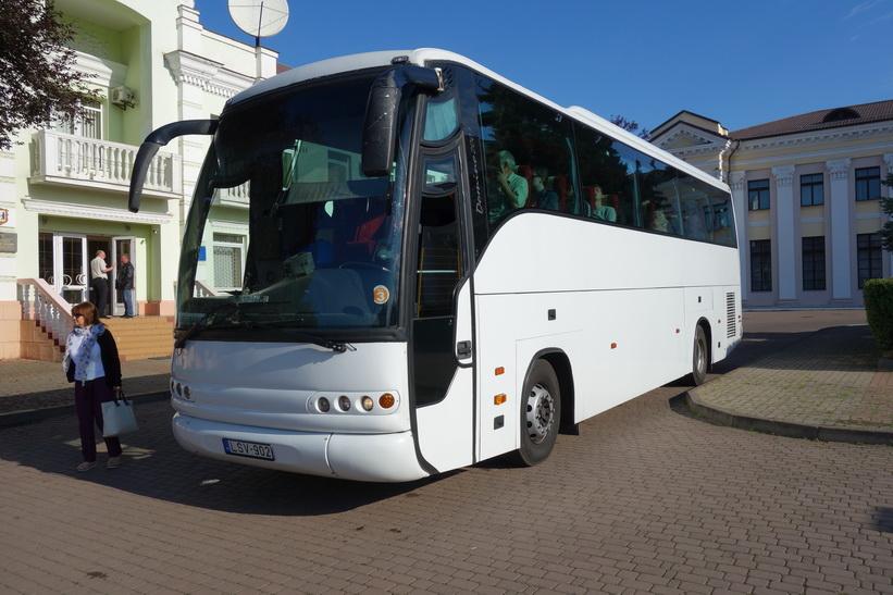 Till slut kom den, bussen som skulle ta mig från Chop till Budapest.