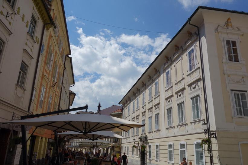 Arkitekturen vid Mestni trg, gamla staden, Ljubljana.