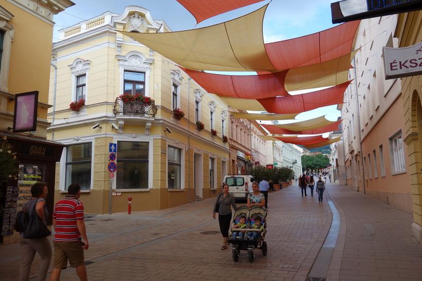 Gågatan i centrala Pécs.