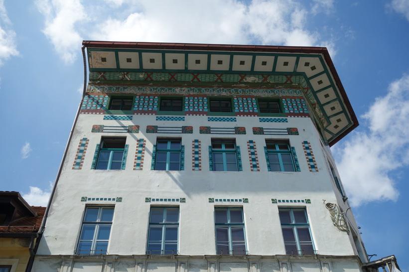 Hauptman House byggt år 1873. Ett mästerverk som överlevde den stora jordbävningen år 1895. Prešeren Square med sin fantastiska arkitektur, Ljubljana.