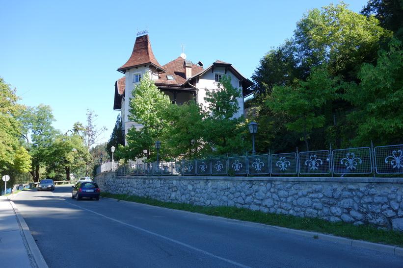 Vägen runt Lake Bled, Bled