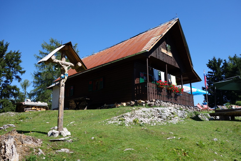 Raststugan uppe på Vitranc. Vandringen från Kranjska Gora upp till Ciprnik.