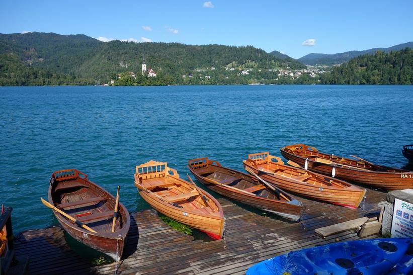 Roddbåtar för uthyrning, Lake Bled, Bled.
