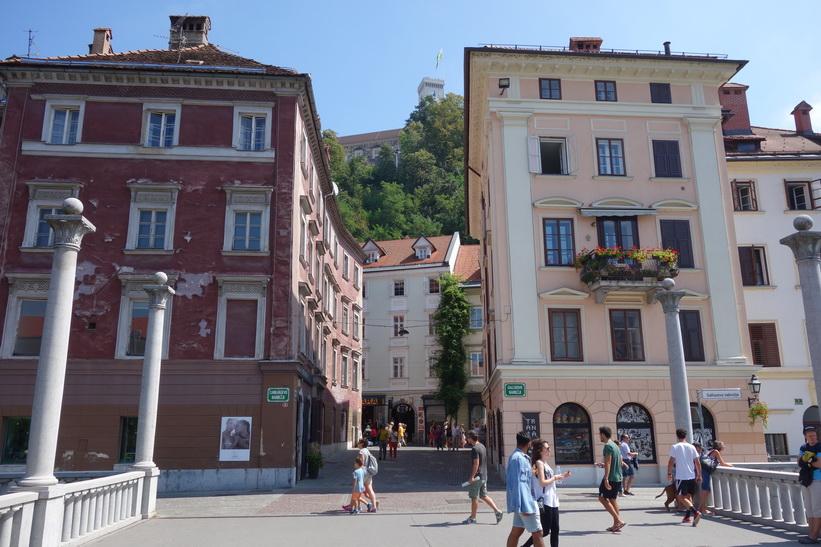 Vacker arkitektur i gamla staden, Ljubljana.