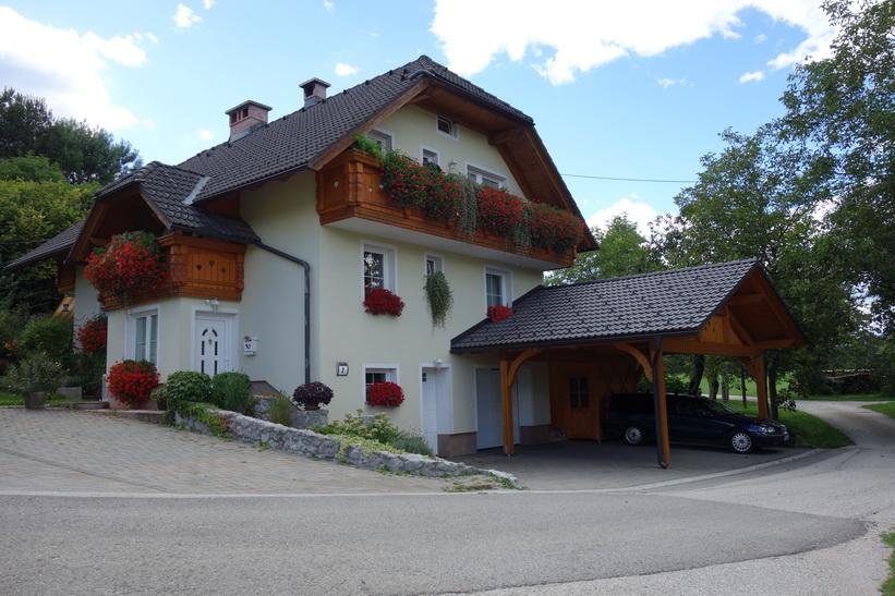 Fint hus i byn Ravnica, Radovlica.