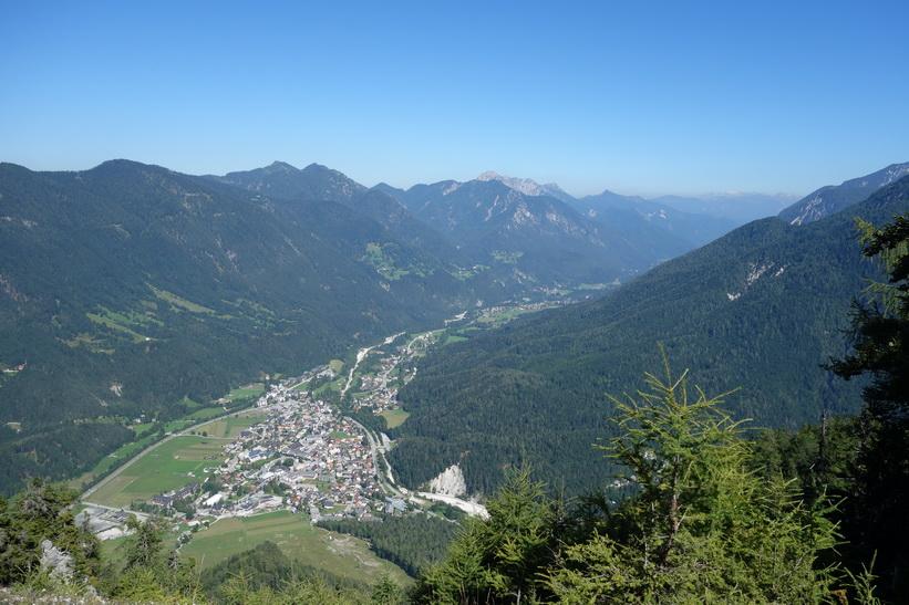 Utsikt över Kranjska Gora från Vitranc.