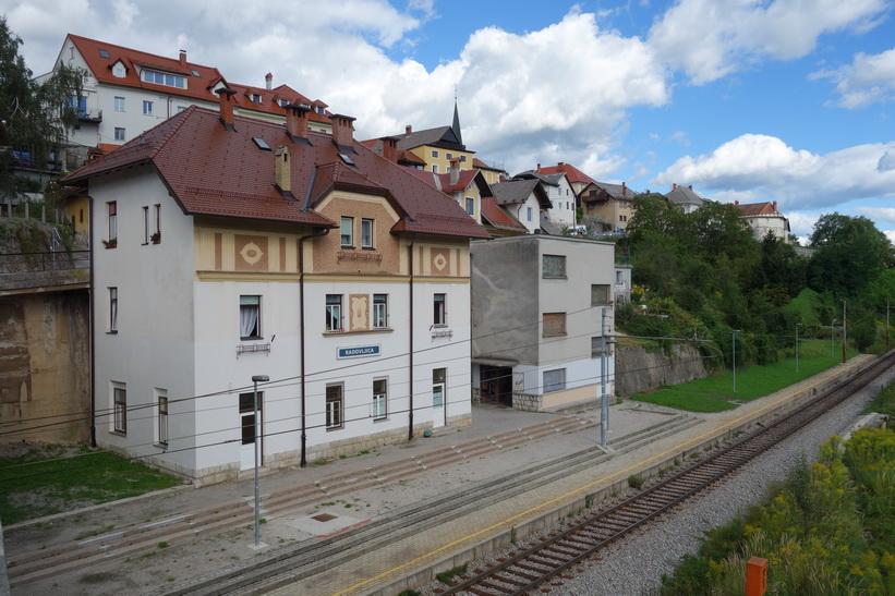 Tågstationen i Radovlica.