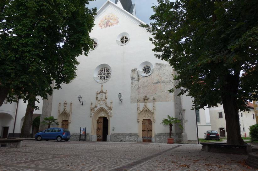 Vackra kyrkan Župnijska cerkev sv. Petra, Radovlica.