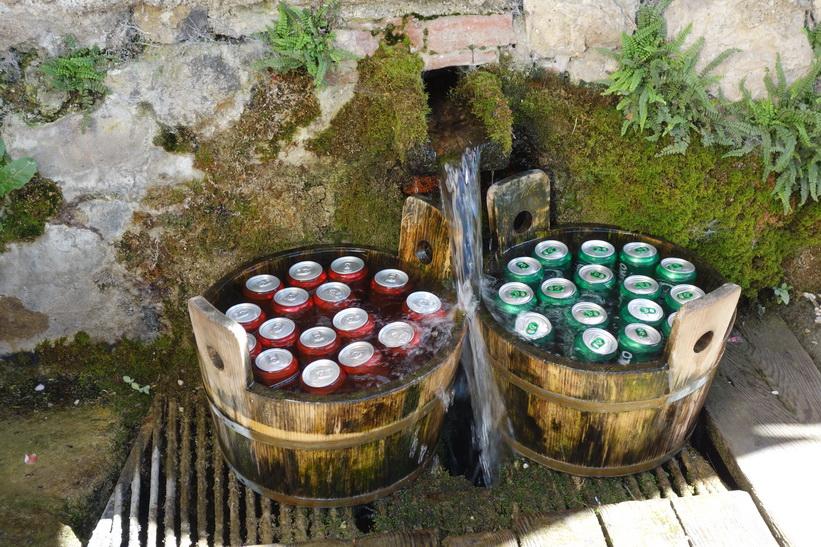 Drycker på kylning vid Lake Bled, Bled.