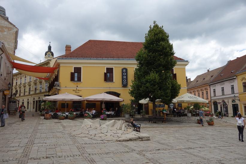 Jókai tér, Pécs.