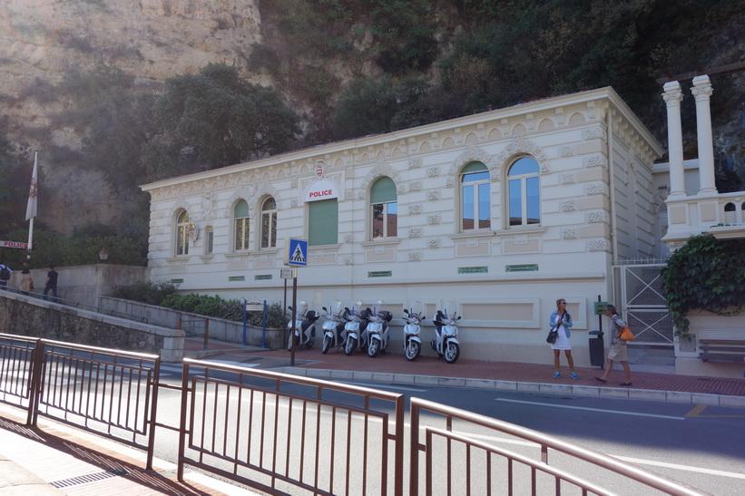 Polisstationen vid Place d'Armes, Monaco.