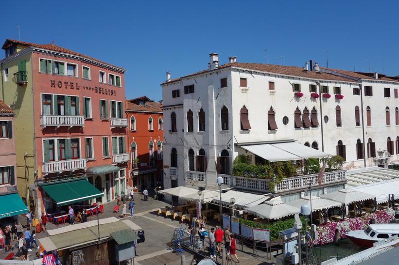 Arkitekturen längs gatan Rio Terà Lista di Spagna, Venedig.