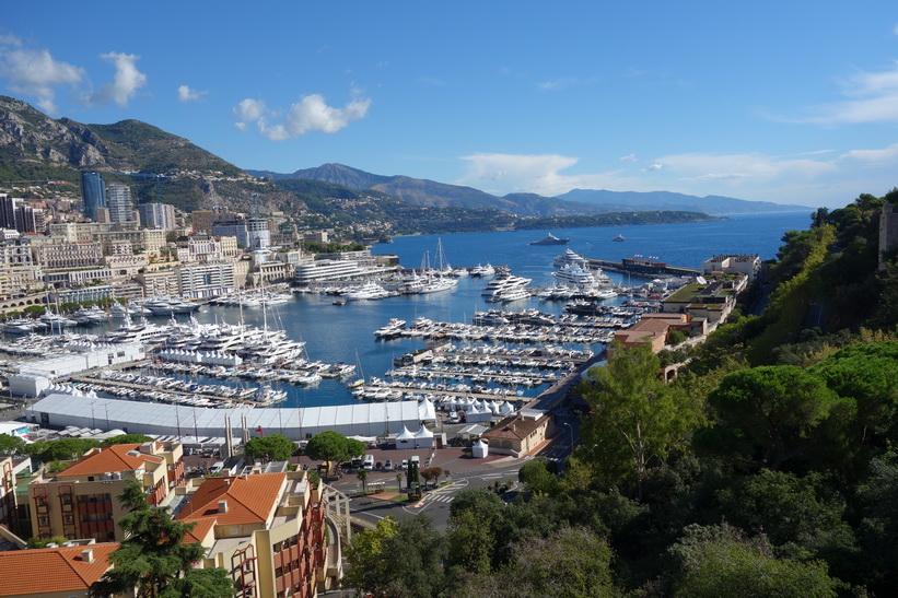 Utsikt över Monaco från gamla staden.