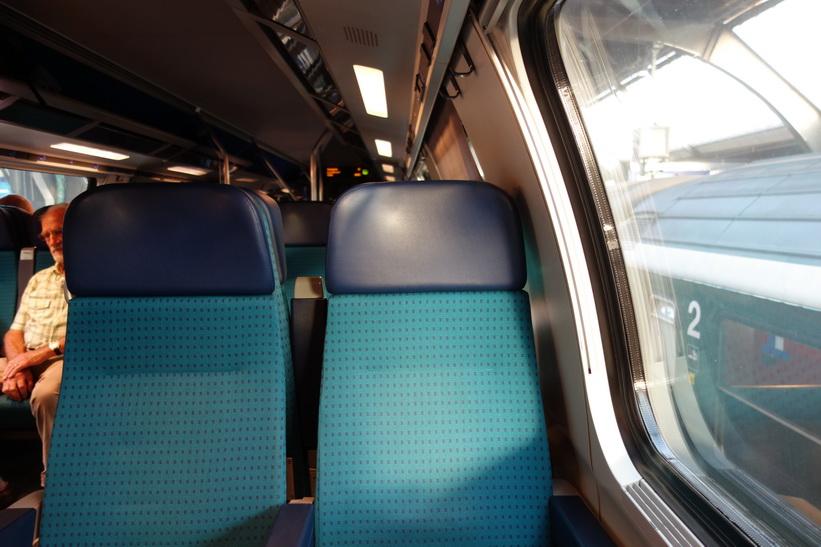 De fina tågen i Schweiz kan man dessutom ställa klockan efter!