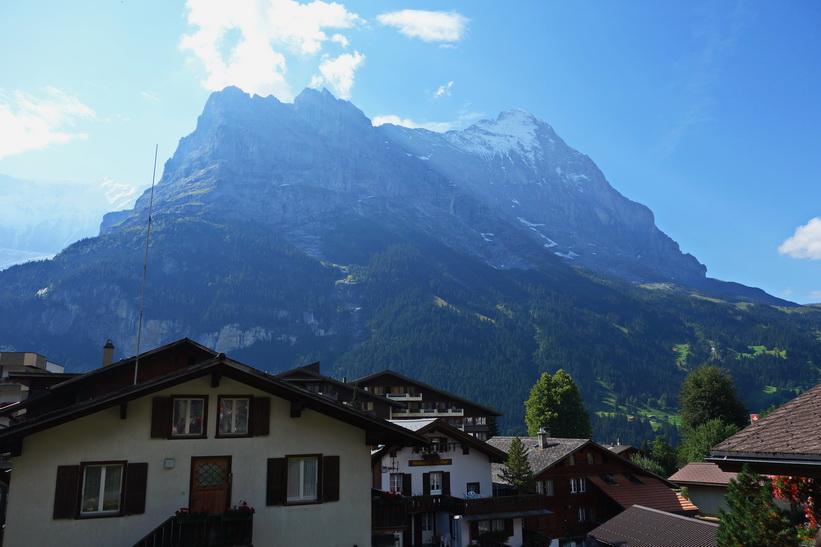Centrala Grindelwald med Eiger i bakgrunden.
