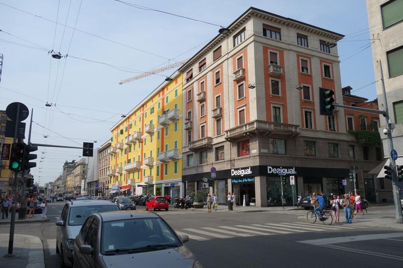 Arkitekturen längs gatan Corso Buenos Aires i centrala Milano.