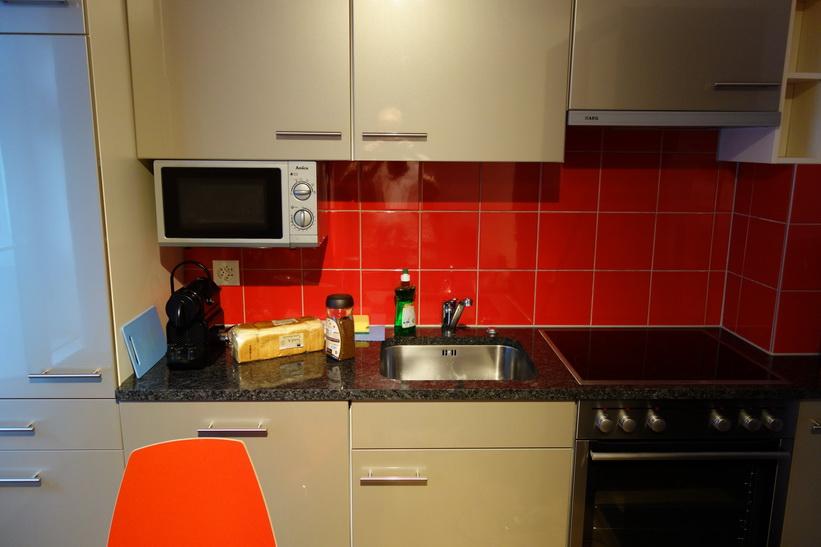 Köket i lägenheten jag hyr i Zürich.
