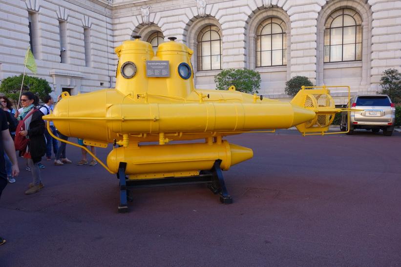 Ubåt utanför Musée océanographique de Monaco, Monaco.
