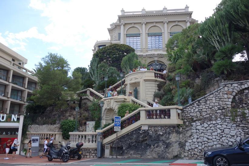 Gatuscen i Monaco.