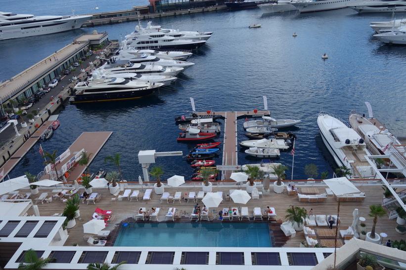 Utsikt över hamnen i Monaco.