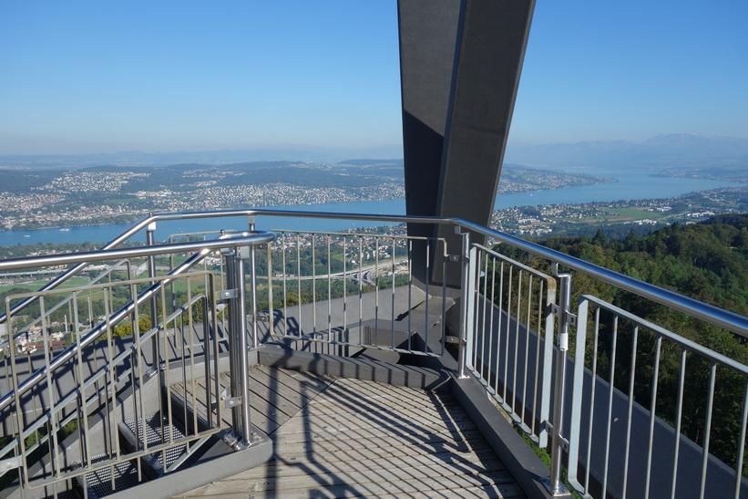 På väg upp i utsiktstornet på toppen av Uetliberg, Zürich.