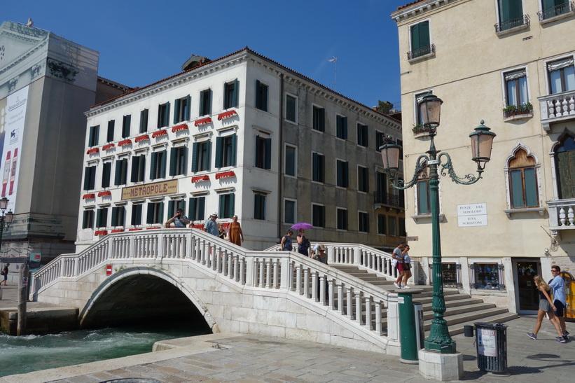 Hotel Metropole längs gatan Riva degli Schiavoni, Venedig.