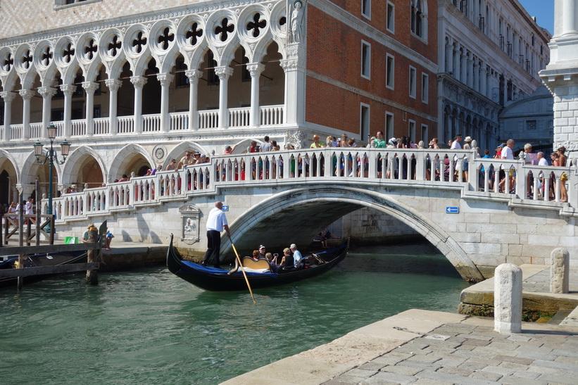 Bron Ponte de la Canonica, Venedig.