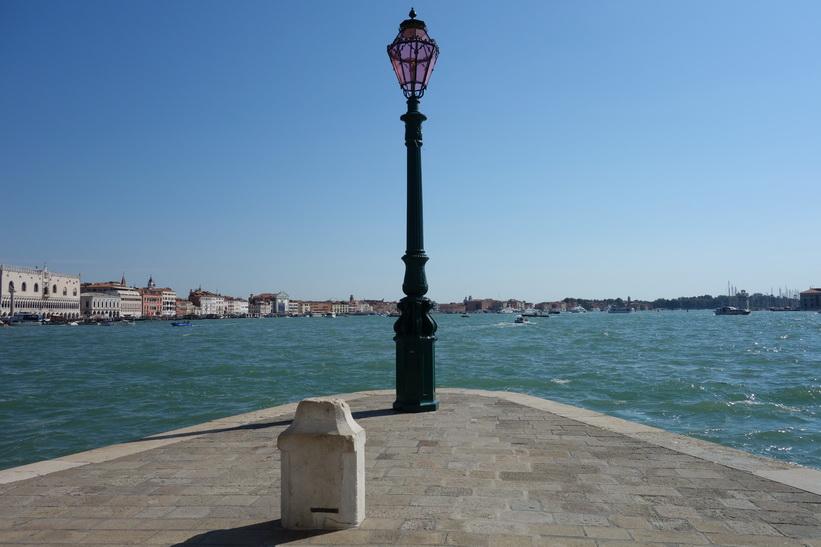 Längst ut på spetsen av Fondamenta Salute, Venedig.