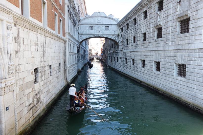 Kanalen Rio de Palazzo o de Canonica, Venedig.