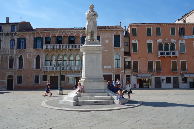 Monumento Niccolo' Tommaseo, Campo Santo Stefano, Venedig.
