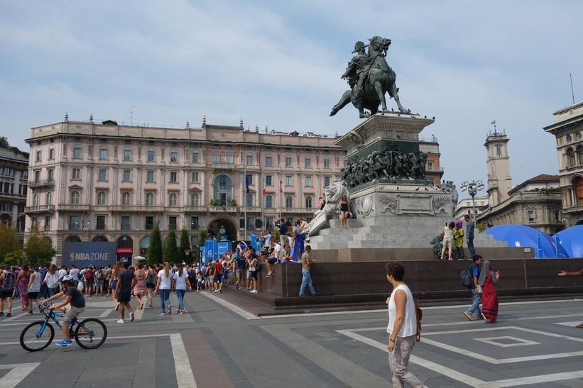 Monumento Equestre a Vittorio Emanuele II, Piazza del Duomo, Milano.