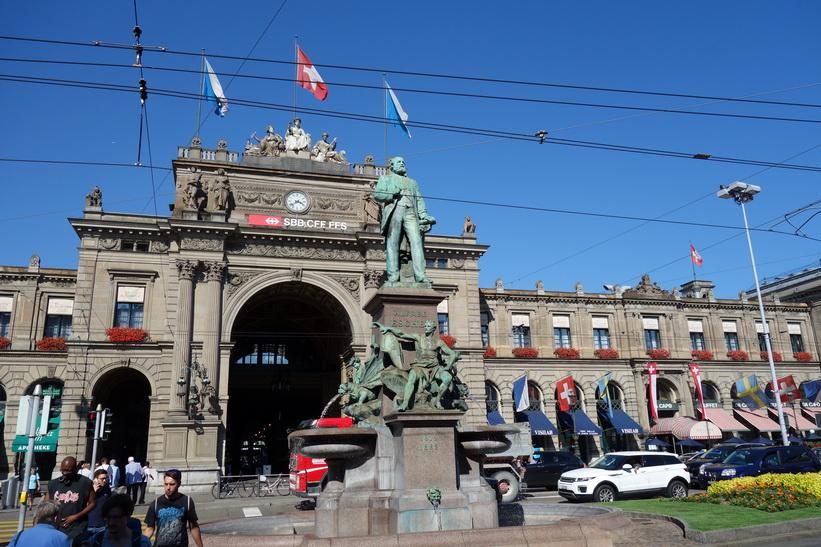 Hauptbahnhof, Zürich.