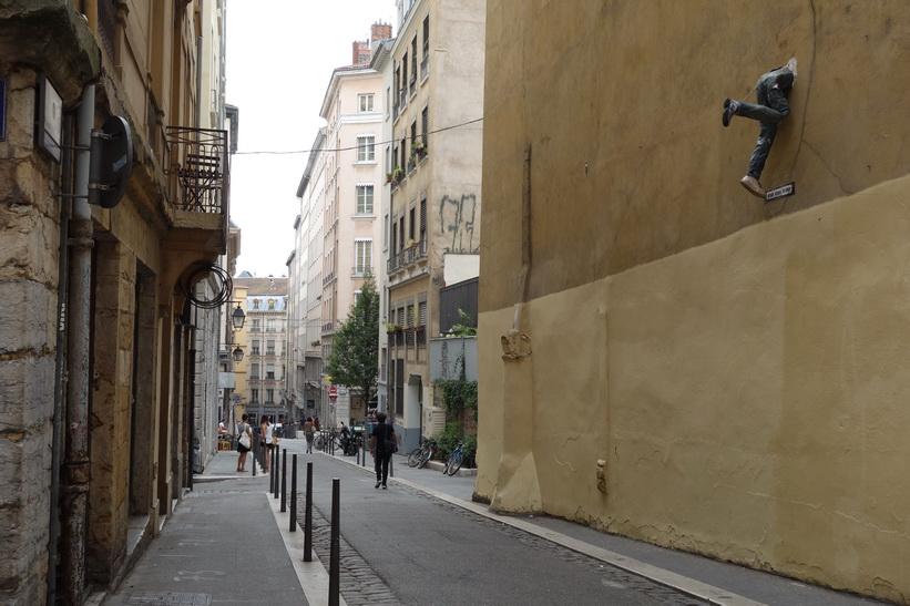 Gatuscen längs Rue de l'Abbé Rozier, Lyon.