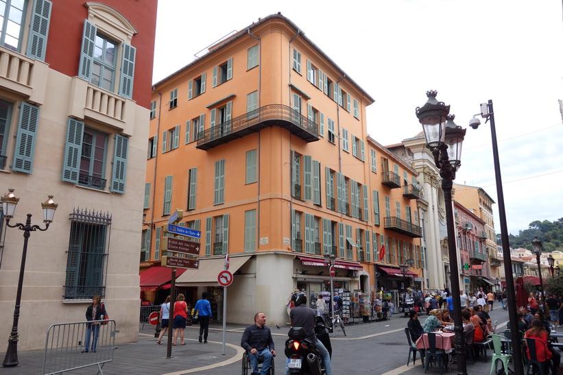 Enastående arkitektur i gamla staden i Nice.
