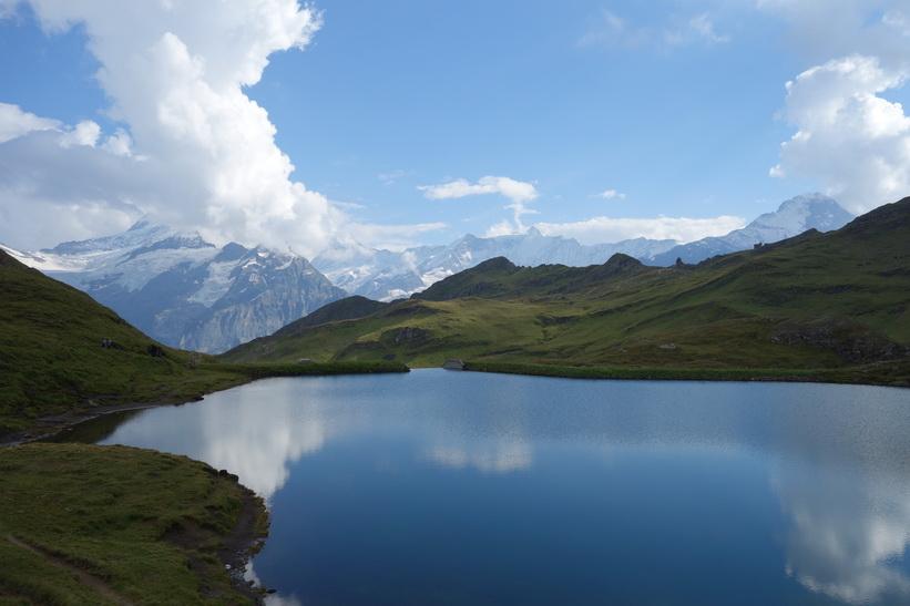 Bachsee med Eiger längst till höger i bild.
