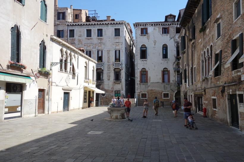 Ännu ett vackert torg i Venedig.