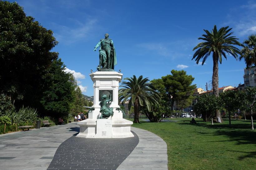 Statue Masséna, Promenade du Paillon, Nice.