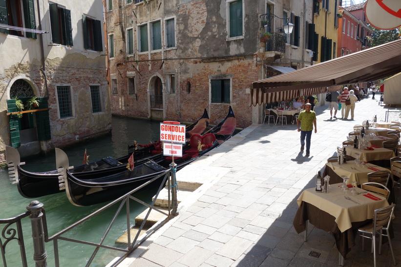 Station för gondoltaxi, Venedig.