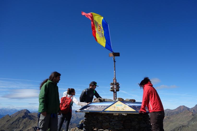 På toppen av Coma Pedrosa.