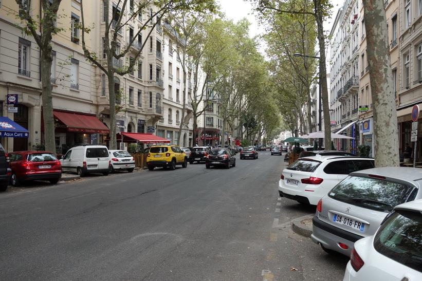 Typisk fransk boulevard i centrala Lyon. Påminner väldigt mycket om boulevarderna man ser i Saigon.